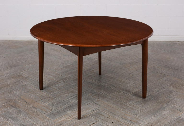 Danish Mid-Century Modern Lacquered Dining Table For Sale 1
