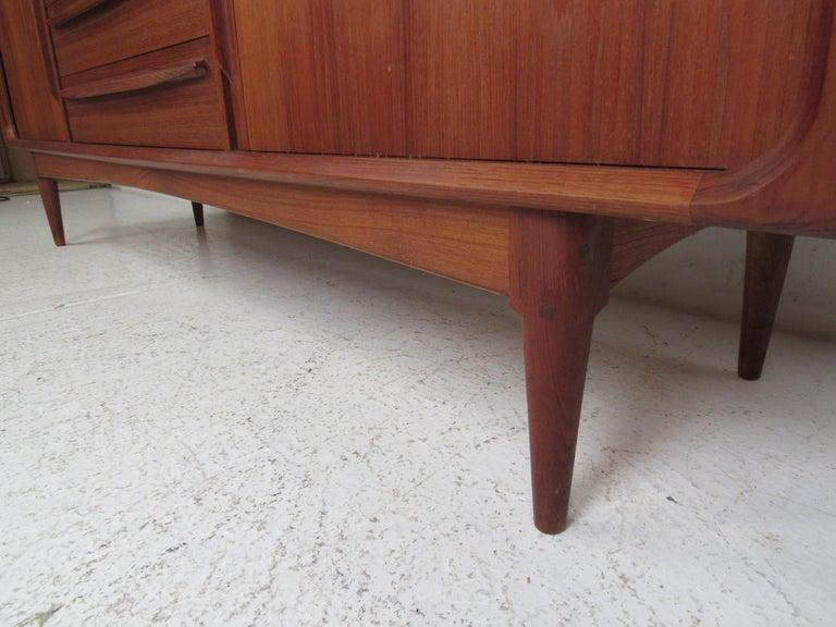 Mid-Century Modern Danish Dresser Attributed to H.P Hansen For Sale 8