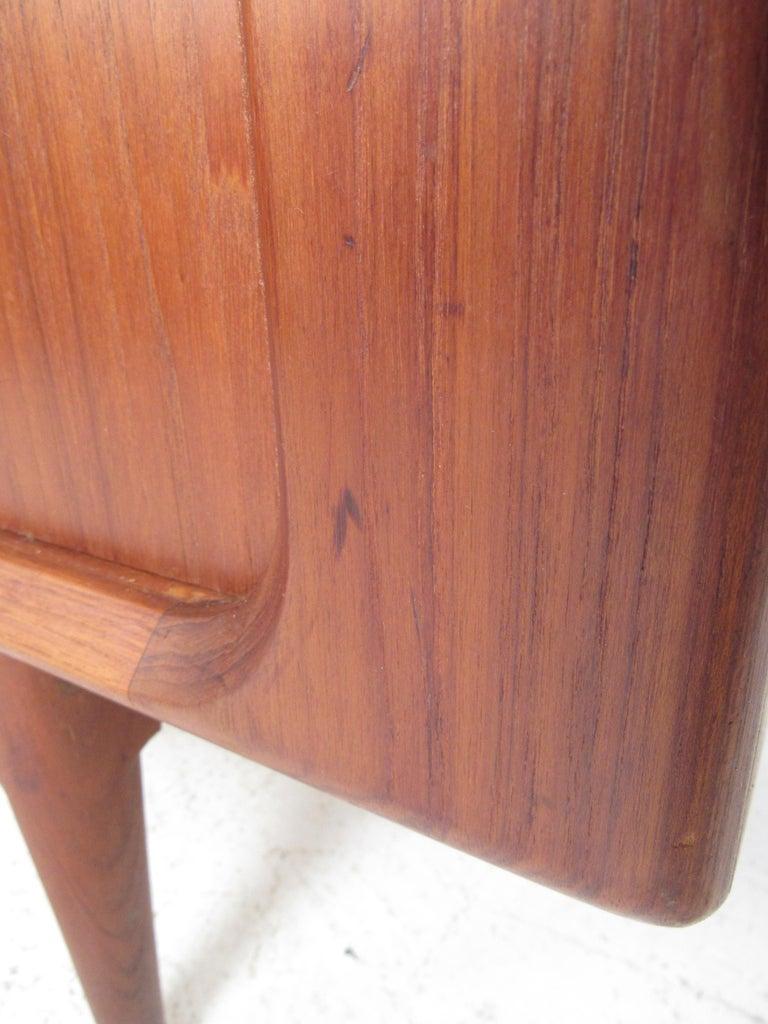 Mid-Century Modern Danish Dresser Attributed to H.P Hansen For Sale 9