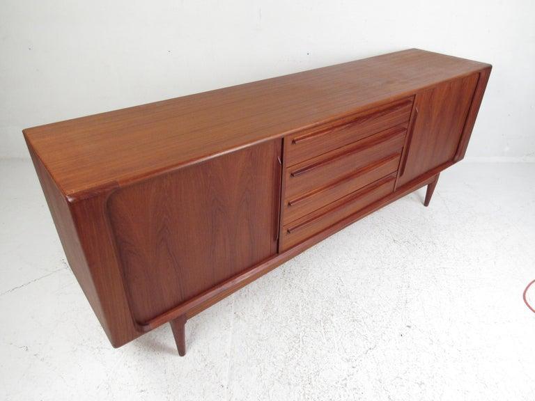 Late 20th Century Mid-Century Modern Danish Dresser Attributed to H.P Hansen For Sale