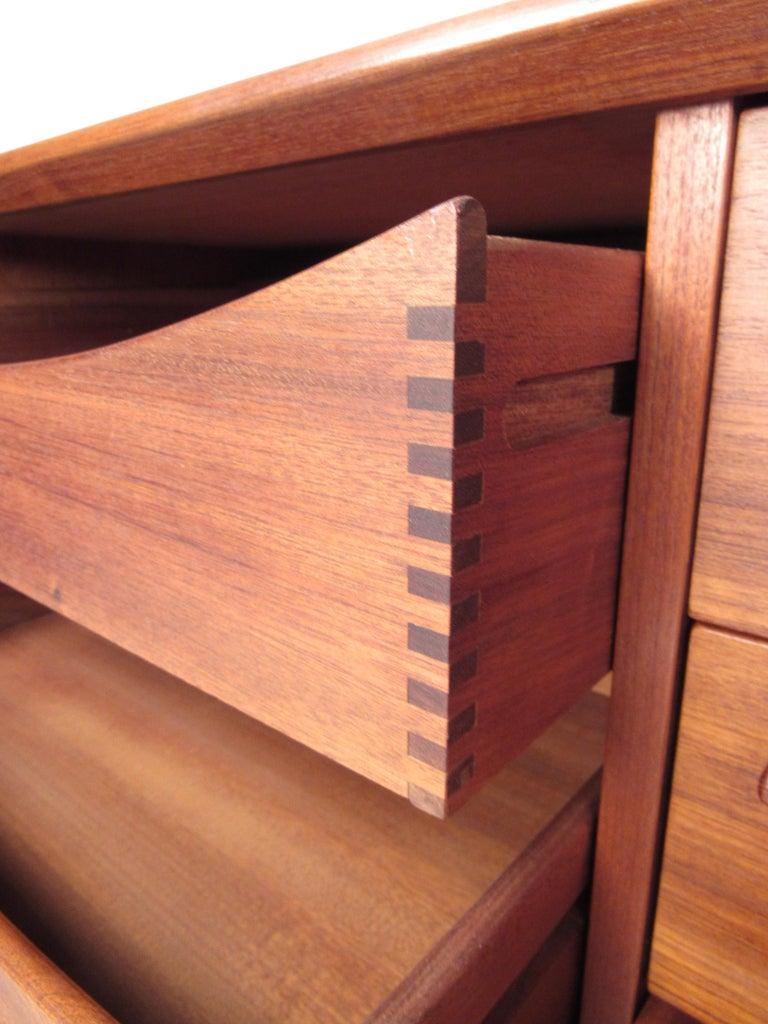 Mid-Century Modern Danish Dresser Attributed to H.P Hansen For Sale 2