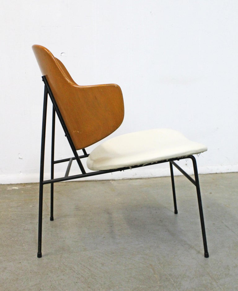 Mid-Century Modern Danish IB Kofod Larsen for Selig Penguin Accent Chair In Good Condition For Sale In Wilmington, DE