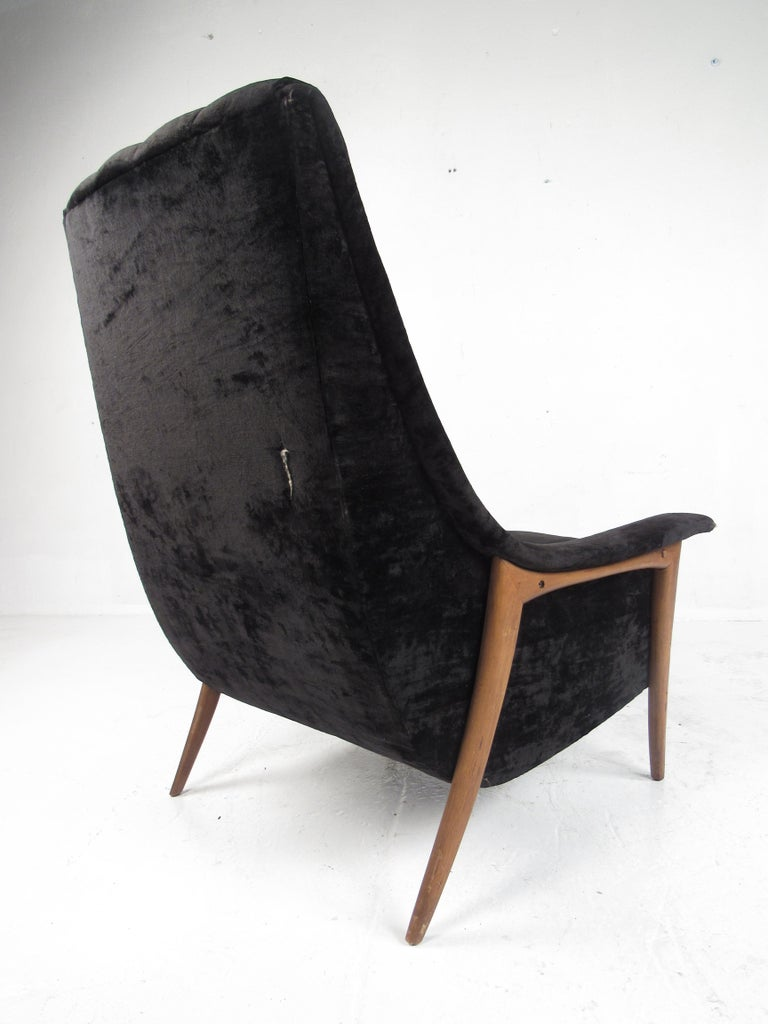 Upholstery Mid-Century Modern Danish Lounge Chair For Sale