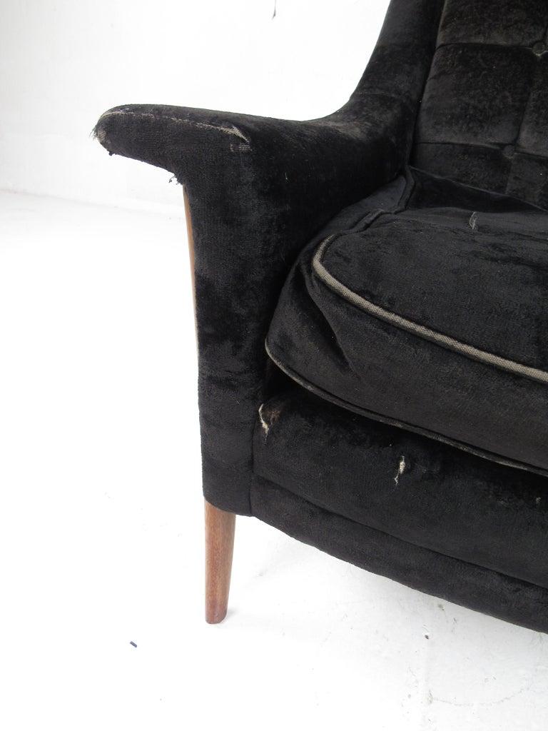 Mid-Century Modern Danish Lounge Chair For Sale 1