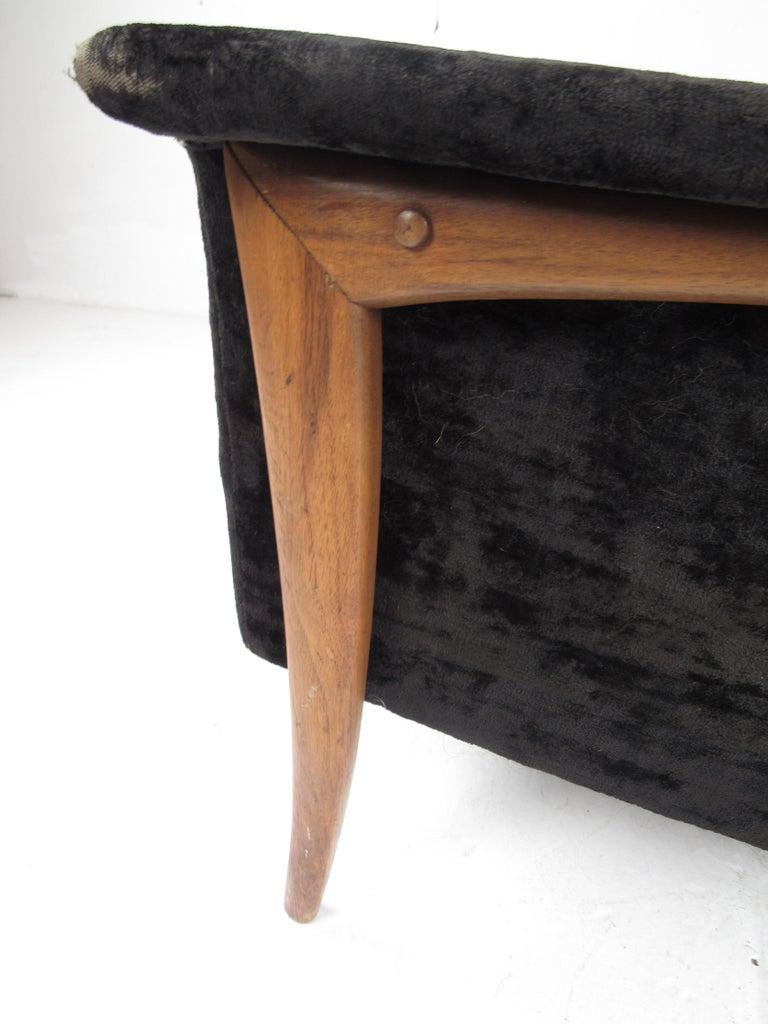 Mid-Century Modern Danish Lounge Chair For Sale 2