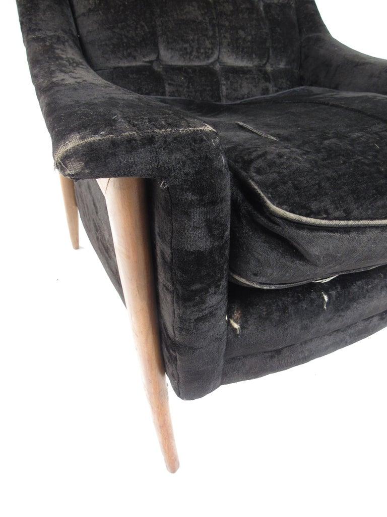Mid-Century Modern Danish Lounge Chair For Sale 3