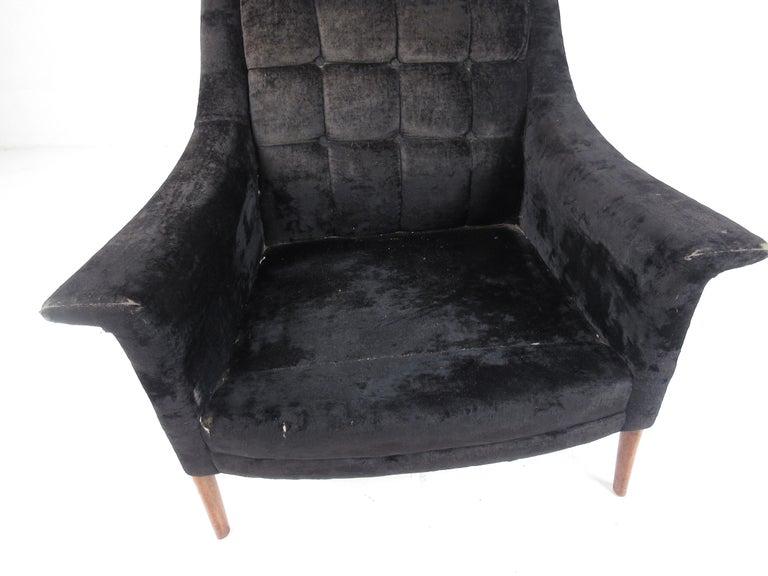 Mid-Century Modern Danish Lounge Chair For Sale 4