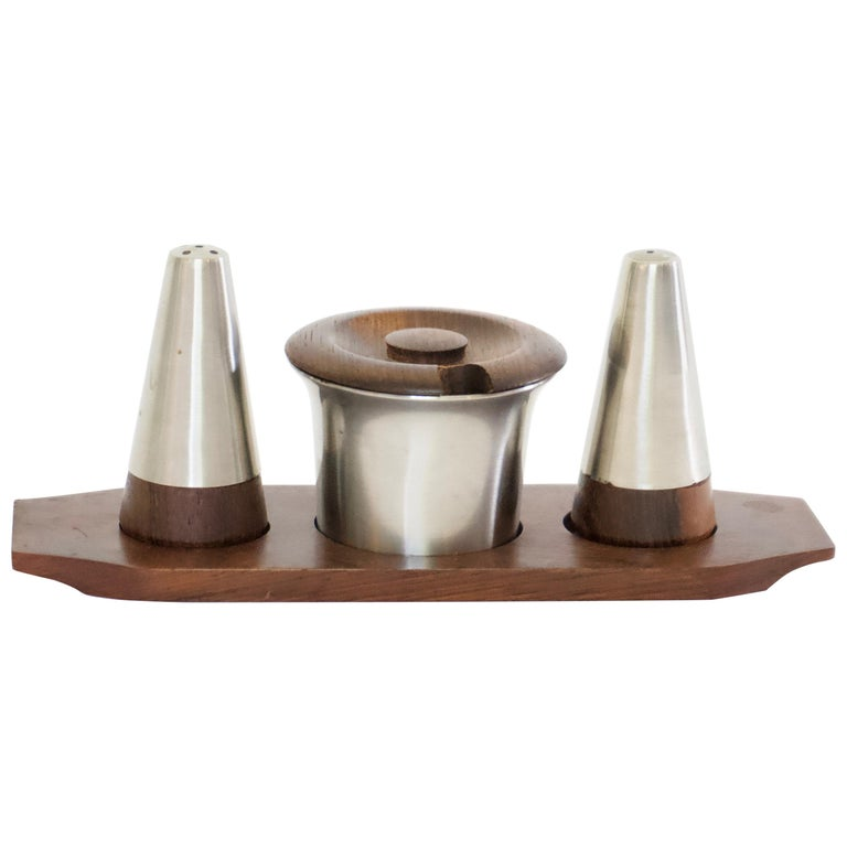 Mid-Century Modern Danish Rosewood Salt and Pepper Shaker Set by Lundtofte For Sale