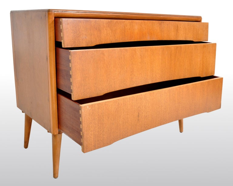 Teak Mid-Century Modern Danish Style Chest of Drawers by Avalon Yatton, 1960s For Sale