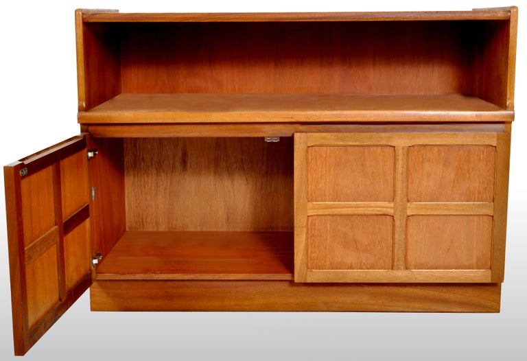 Mid-Century Modern Danish Style Media Cabinet in Teak by Nathan Furniture, 1960s In Good Condition For Sale In Portland, OR