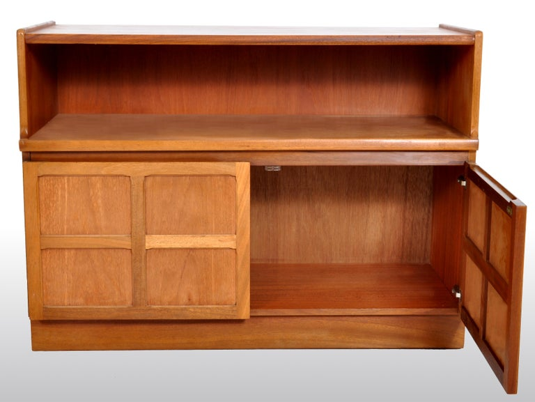 20th Century Mid-Century Modern Danish Style Media Cabinet in Teak by Nathan Furniture, 1960s For Sale