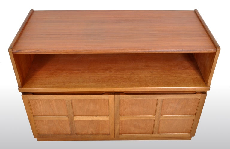 Mid-Century Modern Danish Style Media Cabinet in Teak by Nathan Furniture, 1960s For Sale 2