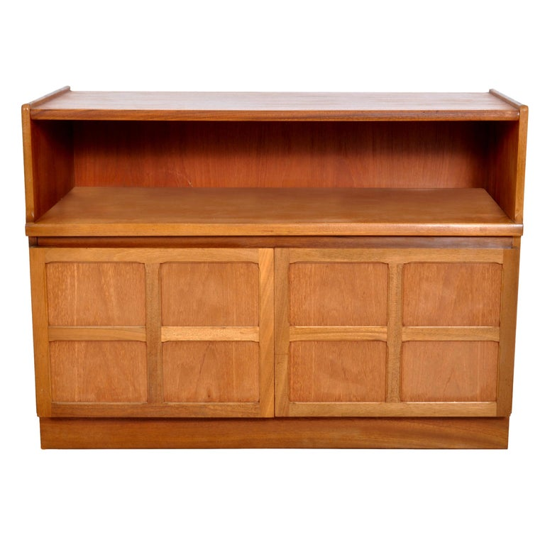 Mid-Century Modern Danish Style Media Cabinet in Teak by Nathan Furniture, 1960s For Sale