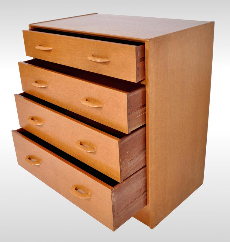 Mid-Century Modern Danish Style Teak Chest of Drawers / Dresser by G Plan, 1960s For Sale 2