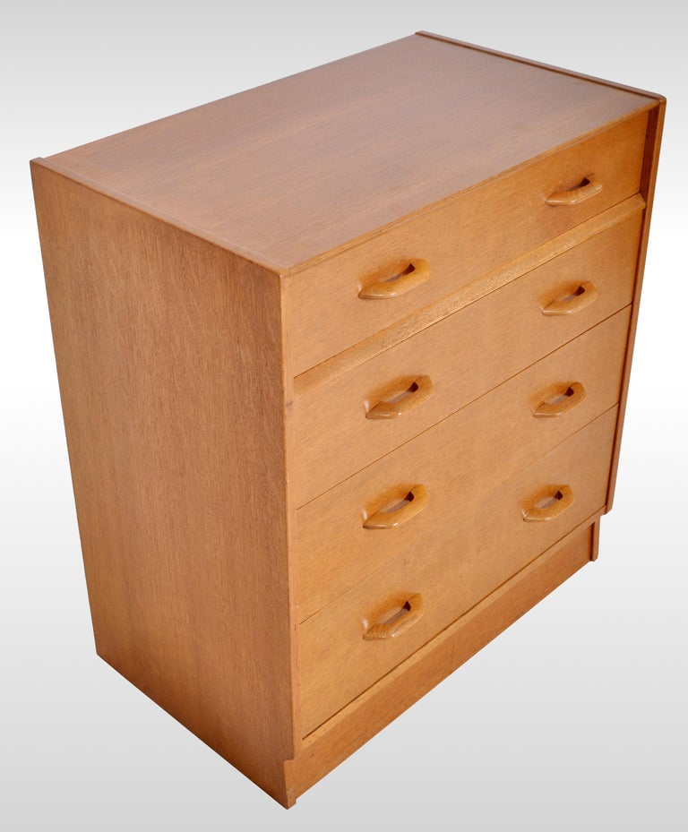 Mid-Century Modern Danish Style Teak Chest of Drawers / Dresser by G Plan, 1960s For Sale 3