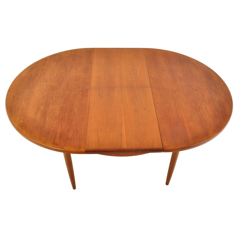 Mid-Century Modern Danish Style Teak Extension Dining Table by G Plan, 1960s 2