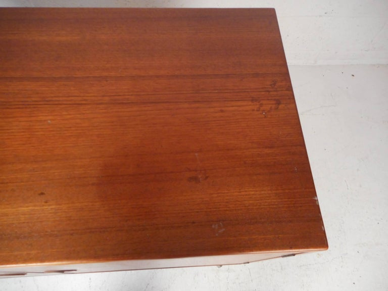 Mid-Century Modern Danish Teak Cabinet with Hairpin Legs For Sale 6