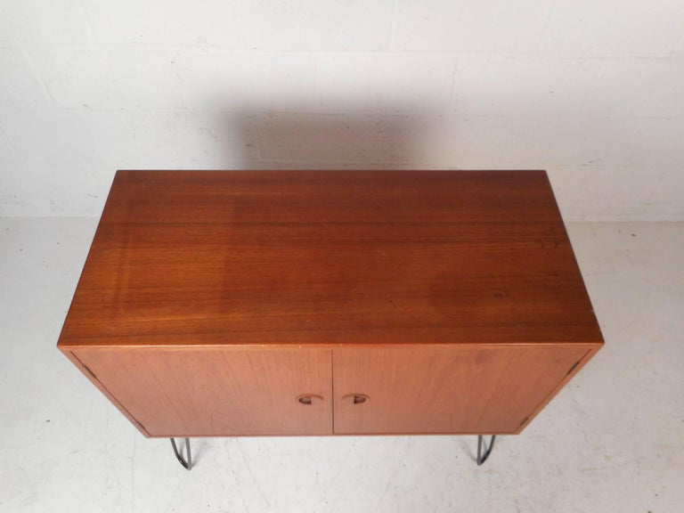 Mid-Century Modern Danish Teak Cabinet with Hairpin Legs In Good Condition For Sale In Brooklyn, NY