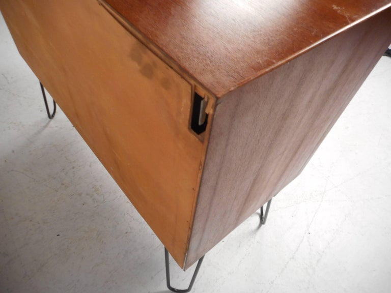 Mid-Century Modern Danish Teak Cabinet with Hairpin Legs For Sale 4