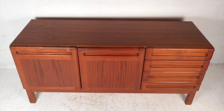 Mid-Century Modern Danish Teak Credenza In Good Condition For Sale In Brooklyn, NY