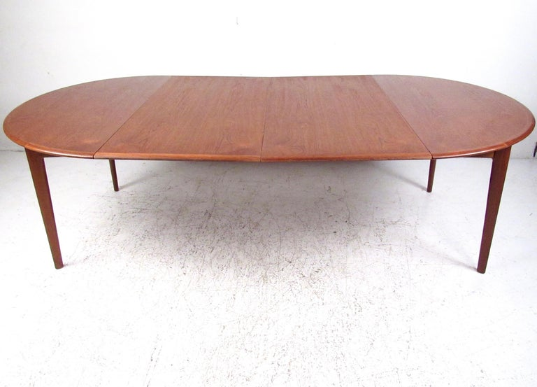 Scandinavian Modern Mid-Century Modern Danish Teak Dining Table For Sale