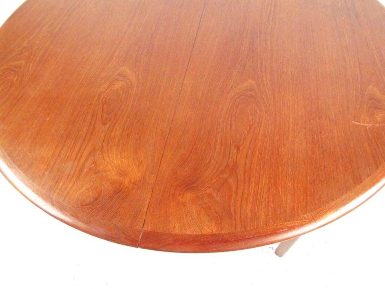 Mid-Century Modern Danish Teak Dining Table For Sale 2