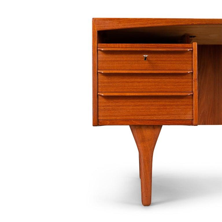 Mid-Century Modern Danish Teak Freestanding Desk by Valdermar Mortensen, 1960s In Good Condition For Sale In Teteringen, Noord-Brabant
