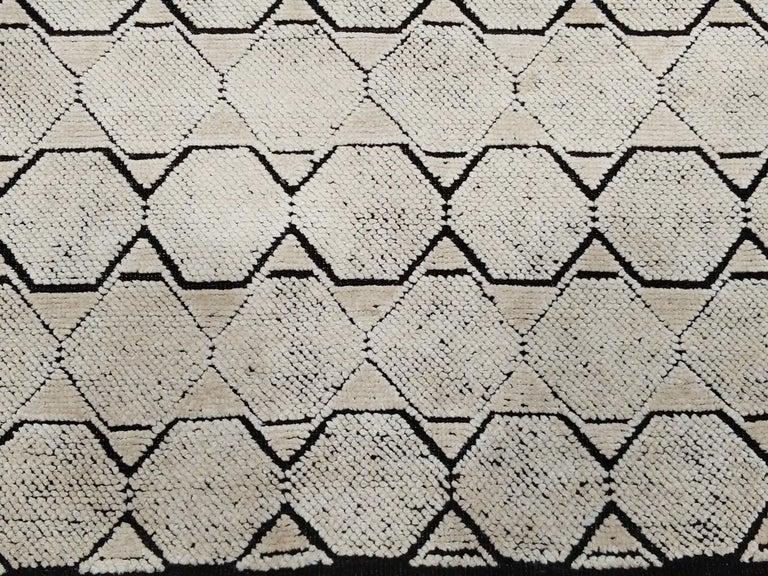 Indian Mid-Century Modern Design Textural Ivory Geometric Octavia Rug For Sale