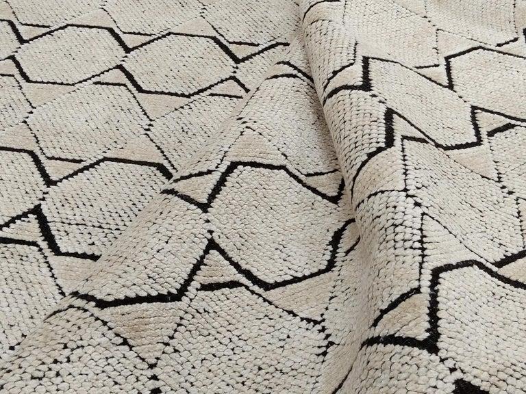 Wool Mid-Century Modern Design Textural Ivory Geometric Octavia Rug For Sale