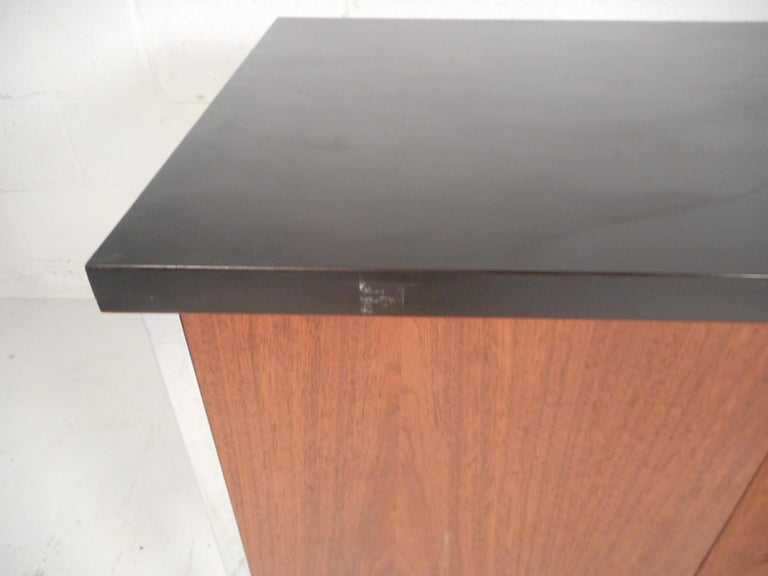 Mid-Century Modern Desk by Design Craft with a Finished Back For Sale 8