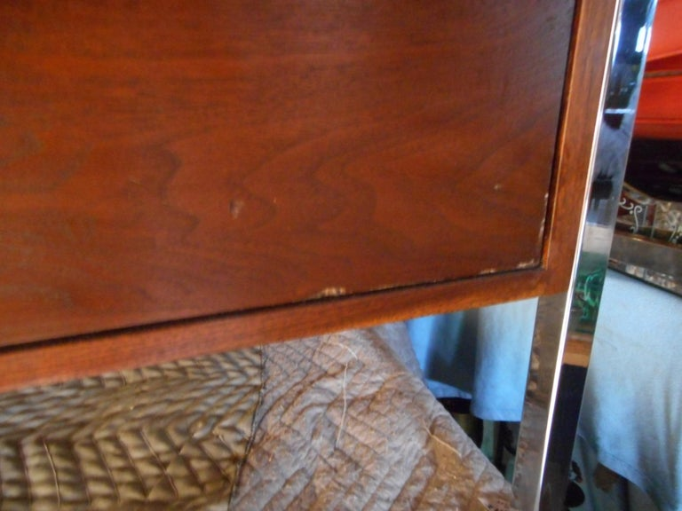 Mid-Century Modern Desk by Design Craft with a Finished Back For Sale 10