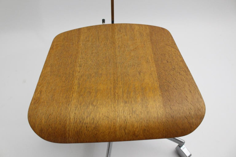 Mid-Century Modern Desk Chair by Jorgen Rasmussen Metal Oak Denmark, circa 1950 For Sale 13