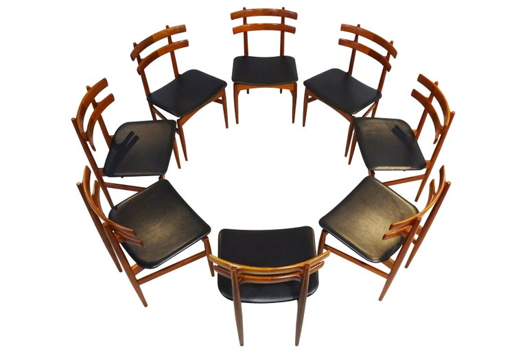 Mid-Century Modern Dining Chairs, 8 Model 30 Poul Hundevad Dining Chairs In Good Condition For Sale In Highclere, Newbury