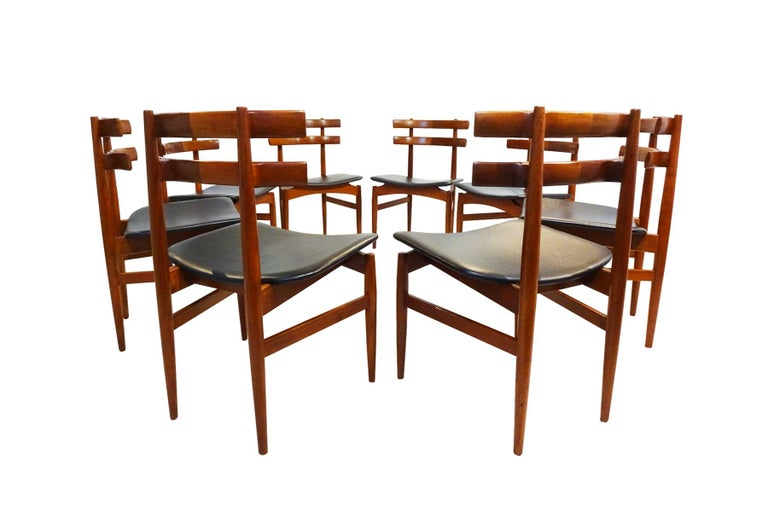 20th Century Mid-Century Modern Dining Chairs, 8 Model 30 Poul Hundevad Dining Chairs For Sale