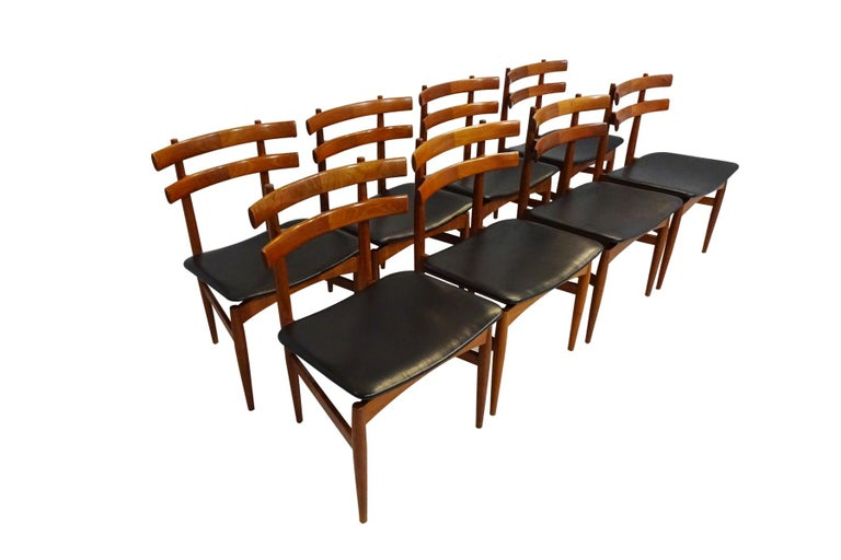 Mid-Century Modern Dining Chairs, 8 Model 30 Poul Hundevad Dining Chairs For Sale 2