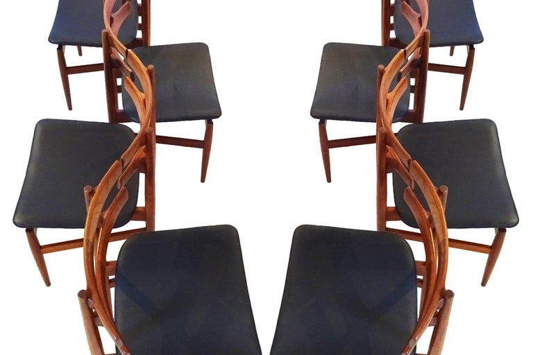 Mid-Century Modern Dining Chairs, 8 Model 30 Poul Hundevad Dining Chairs For Sale 4