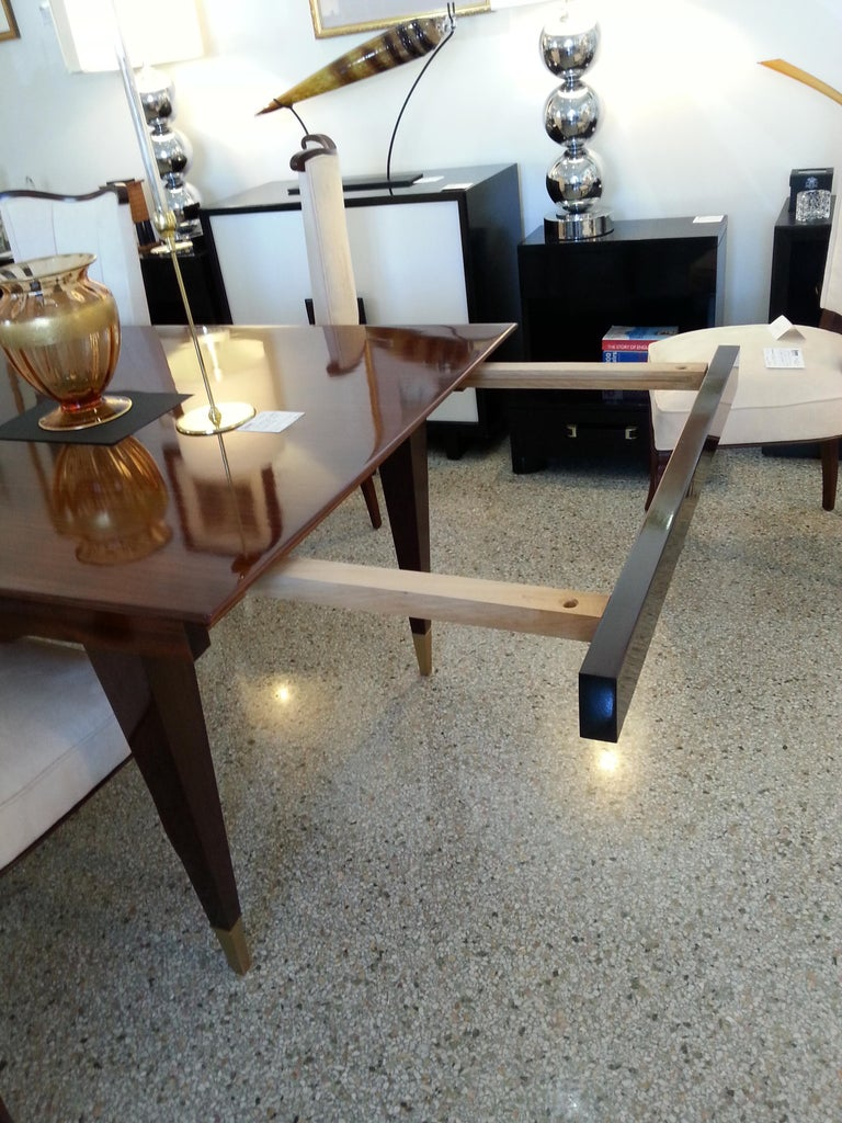 Mid-Century Modern Dining Room Table For Sale 4