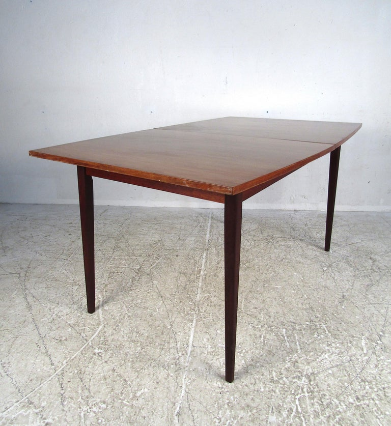Mid-Century Modern Dining Set For Sale 1