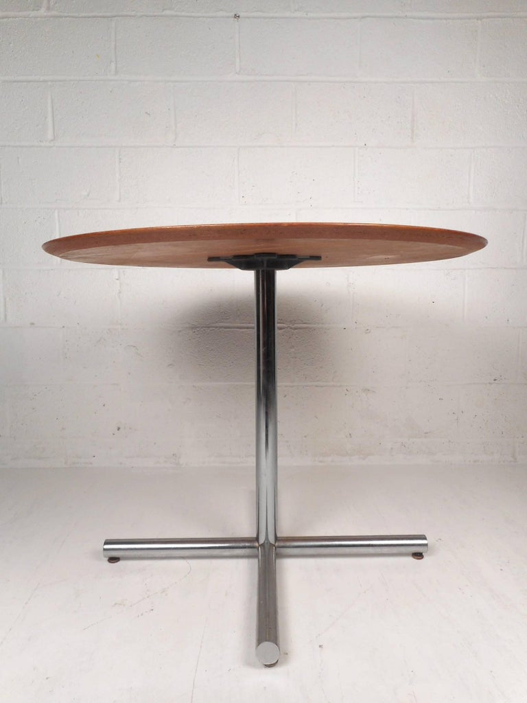 American Mid-Century Modern Dining Table by Knoll International