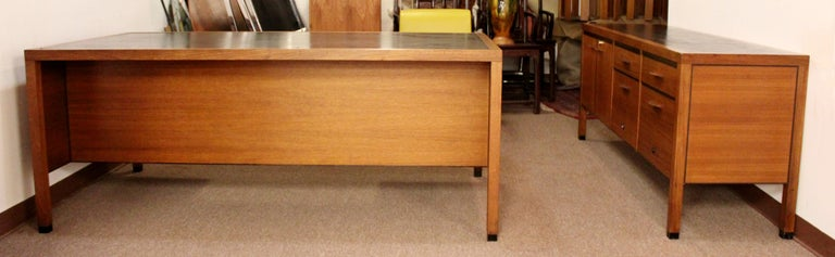 Mid-Century Modern Directional 4 Drawer Executive Credenza, 1960s For Sale 4