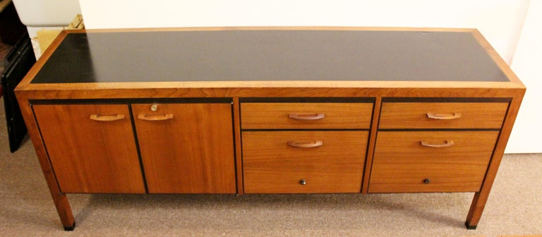 American Mid-Century Modern Directional 4 Drawer Executive Credenza, 1960s For Sale