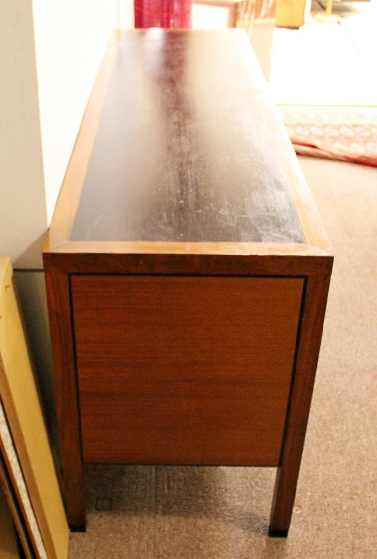 Mid-Century Modern Directional 4 Drawer Executive Credenza, 1960s In Good Condition For Sale In Keego Harbor, MI