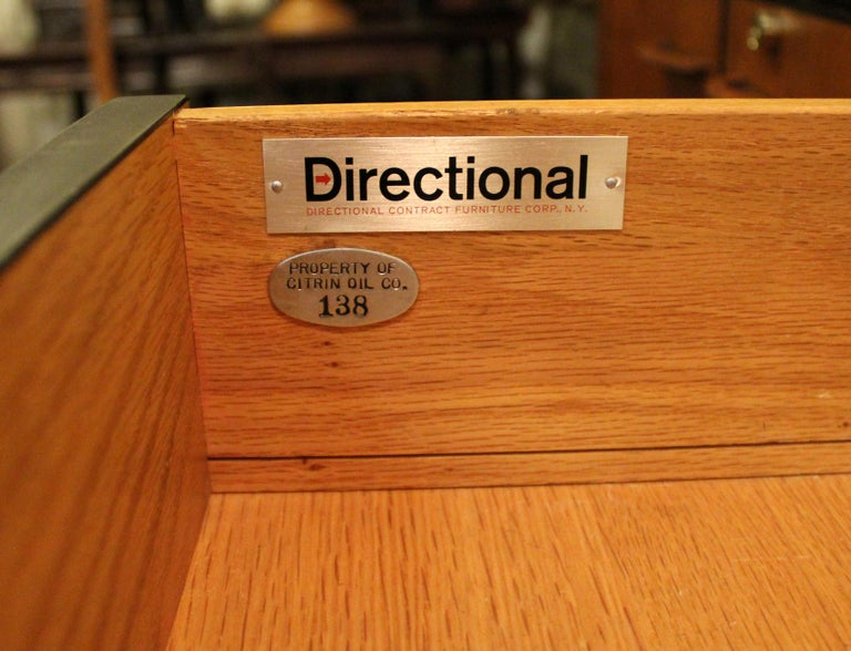 Mid-Century Modern Directional 4 Drawer Executive Credenza, 1960s For Sale 2