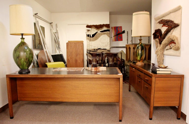 Mid-Century Modern Directional 4 Drawer Executive Credenza, 1960s For Sale 3