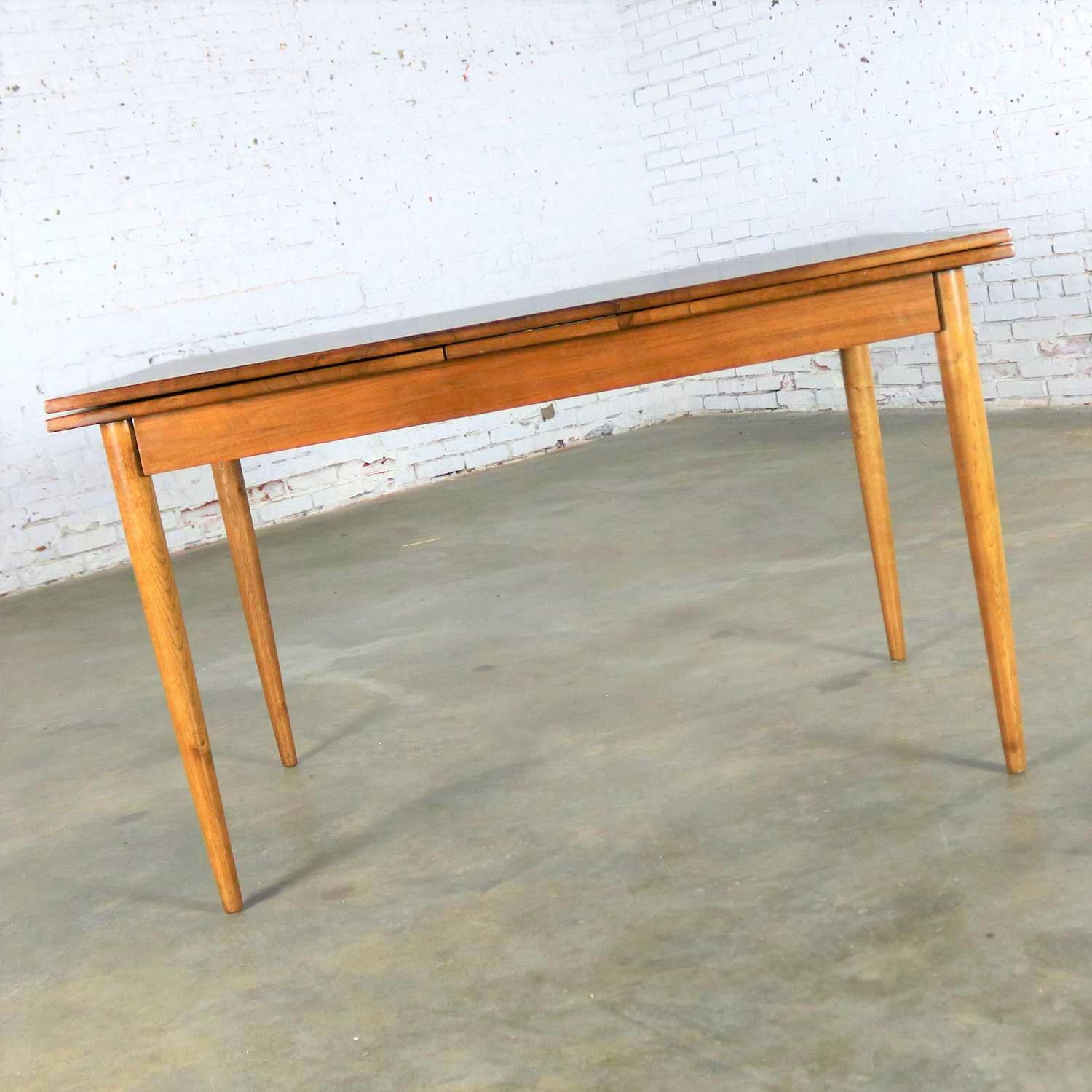 Exceptionnel Mid Century Modern Draw Leaf Extending Dining Table After Conant Ball