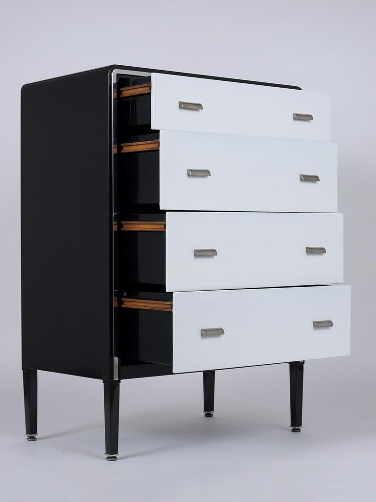1960's Mid-Century Modern Lacquered Chest of Drawers In Good Condition For Sale In Los Angeles, CA