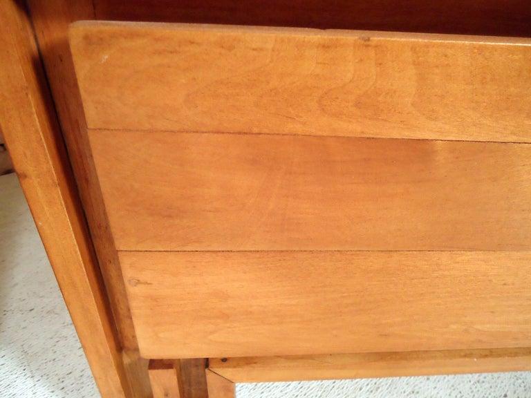 Mid-Century Modern Dresser 3