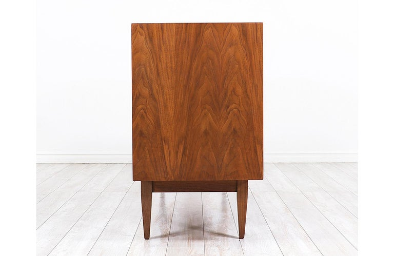 Mid-20th Century Mid-Century Modern Dresser with Lacquered Bowtie Style Drawers