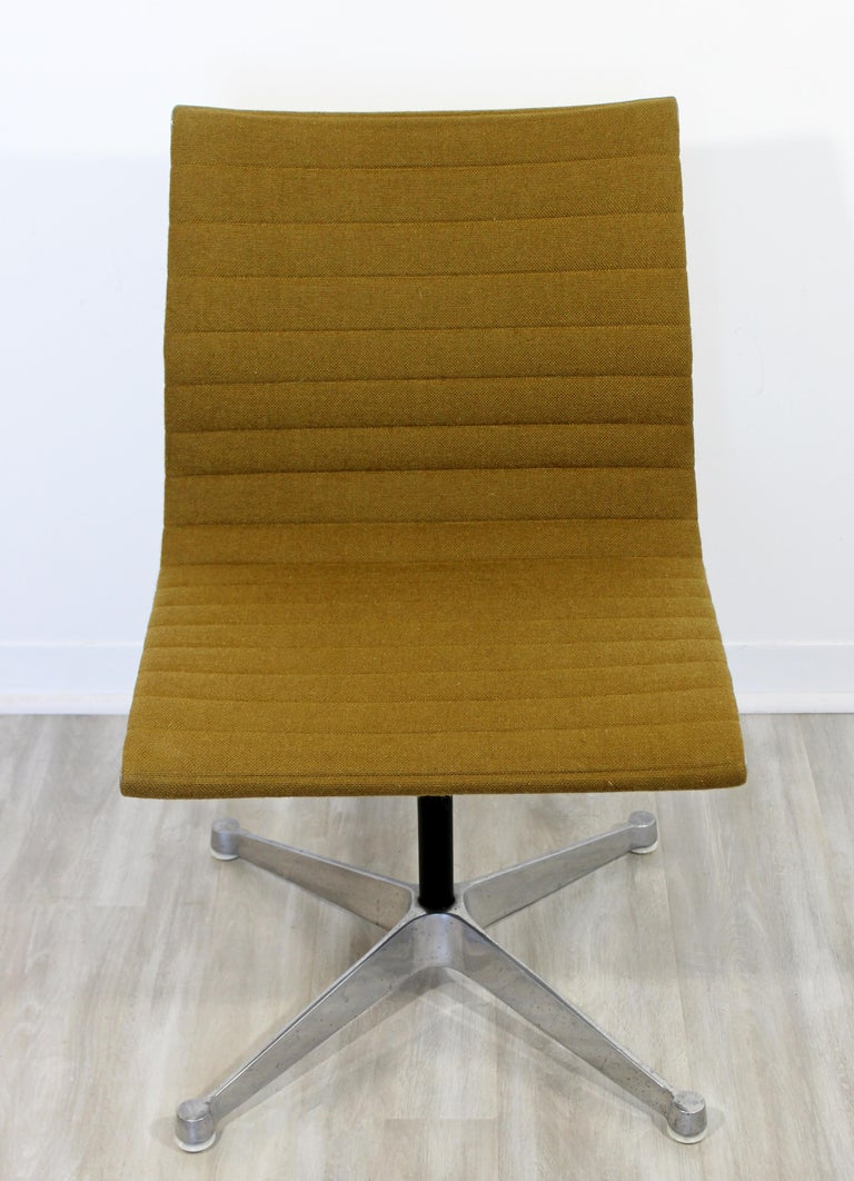 American Mid-Century Modern Eames Herman Miller Aluminum Group Side Chair, 1950s For Sale