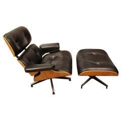 Mid-Century Modern Eames Herman Miller Classic Walnut Lounge Chair Ottoman 1980s